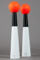 Zwei Pfefferstreuer / Pfeffermühle Modell 'Tower' aus der Eclectic von Tom Dixon (2)