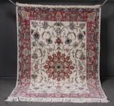 Persisk Nain tæppe, uld med silke, 210 x 148 cm.