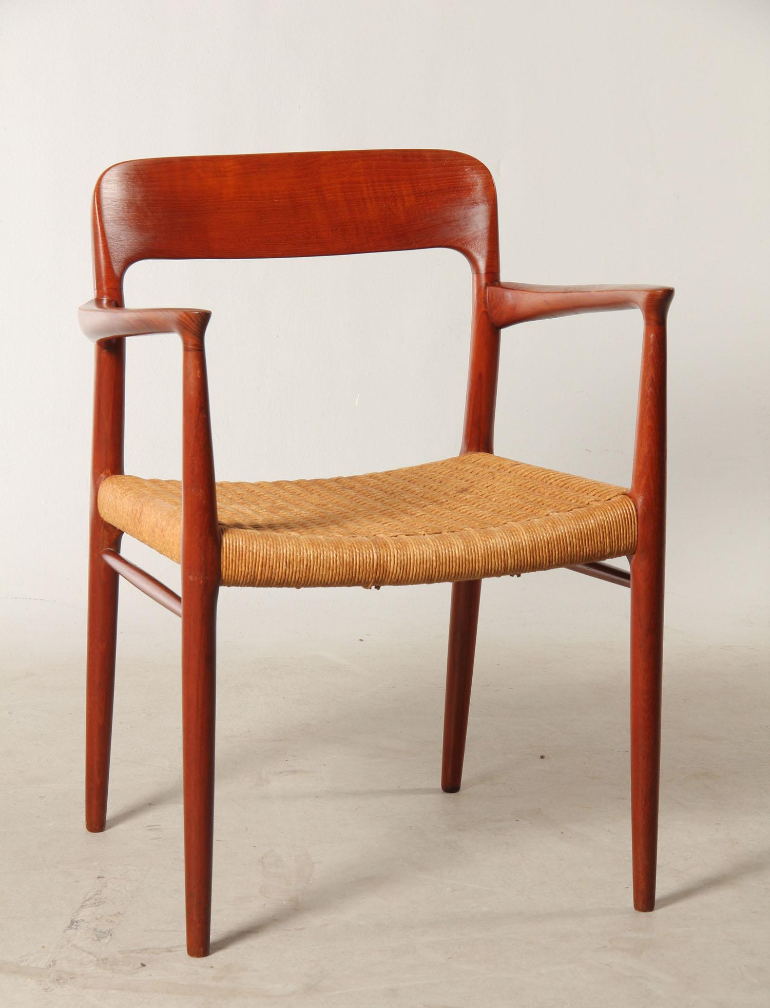 Auktionstipset - N. O. Møller, armstol i teak, model 56