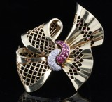 18kt diamond and ruby brooch approx. 0.30ct