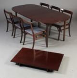 Ole Wanscher. Rungstedlund. Spisebord samt seks stole (7)