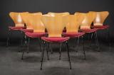Arne Jacobsen. Sæt på otte stole, model 3107 (8)