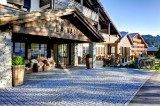 4 days of spa, golf, and gourmet at the ****LA VAL Bergspa Hotel Brigels (Switzerland) for 2 people