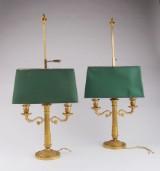 Et par franske empire bordlamper af forgyldt bronze. Delvis 1800-tallet. (2)