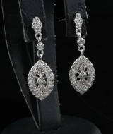 Cubic zirconia earrings silver.