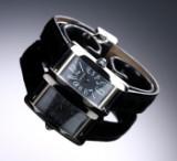Cartier 'Tank Américaine'. Dameur i 18 kt. hvidguld med original rem og spænde, 2000'erne