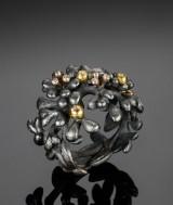Blomsterring af sølv, Ole Lynggaard