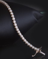 Tennisbracelet with brilliant cut diamonds 4.50ct