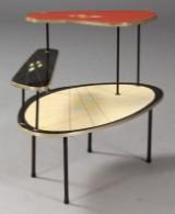 Tysk møbelproducent. Blomsterbord / opsats