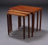 Dansk møbelproducent. Indskudsborde, teaktræ