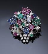 Vintage blomsterbroche med smaragder, safirer, rubiner og månesten