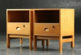 Vitré Møbler. Par sengeborde / lampeborde af egetræ (2)