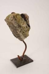 Sixpence. 'Byggesjusk'. Skulptur af mixed media