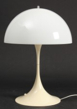 Verner Panton. Panthella bordlampe