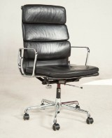 Charles & Ray Eames, Softpad Bürostuhl Modell EA 219 von Vitra
