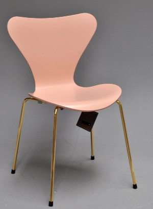 arne jacobsen stol 7 er Arne Jacobsen. Jubi 7'er pink / guld | Lauritz.com arne jacobsen stol 7 er