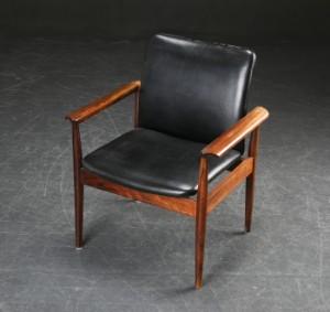 finn juhl stol Finn Juhl. 'Diplomat' stol, sort læder, palisander | Lauritz.com finn juhl stol