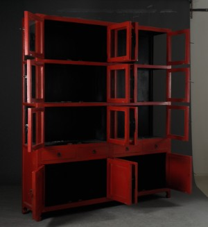 ware 3020225 gro e vitrine schrank aus rot antikbemaltem holz. Black Bedroom Furniture Sets. Home Design Ideas