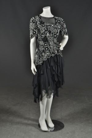 98ed2c285a6 Slutpris för Vintage Aftonklänning med väska uppsydd
