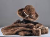 Hatt, stola och lösa ärmmuddar i helryckt mink (4)