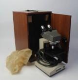 Mikroskop. Olympus CH i org. opbevarings/transportkasse.