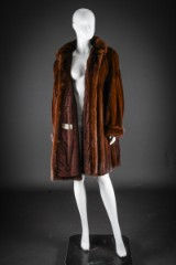 Mink swing coat, glow, size 40/42. 90's cut with wide shoulders