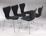 Arne Jacobsen. Five Series 7 chairs, model 3107, wool (5)