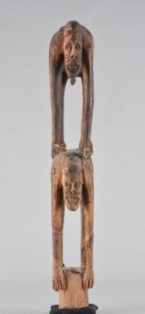 Asmat, Kasuarinakusten, Nya Guinea. Skulptur