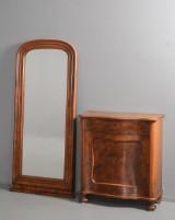 Entrésæt af nøddetræ, konsolskab og spejl, 1800-tallet (2)