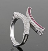 18kt Diamond and ruby ring approx. 0.70ct