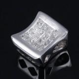 Lille moderne brillantvedhæng af 18 kt. hvidguld med prinsesseslebne diamanter