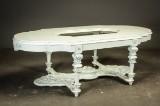 Spisebord af lakeret træ