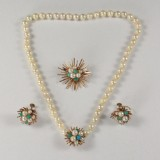 Ole Lynggaard jewellery set, 14 kt. gold with Mikimoto pearls