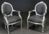 To lænestole, stel af sølvmalet træ (2)