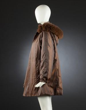 Godskefur jakke med pelskrave str. 40 Denne vare er sat til