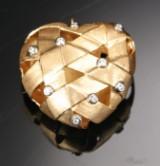 Ole Lynggaard. Stor hjertelås af 18 kt guld med brillanter, ialt. ca. 0.18 ct.