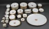 Kgl. P. Guldkurv kaffe/middagsservice af porcelæn (100)