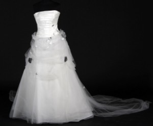 a581775c Slutpris för Hervé Mariage. Todelt brudekjole ca.