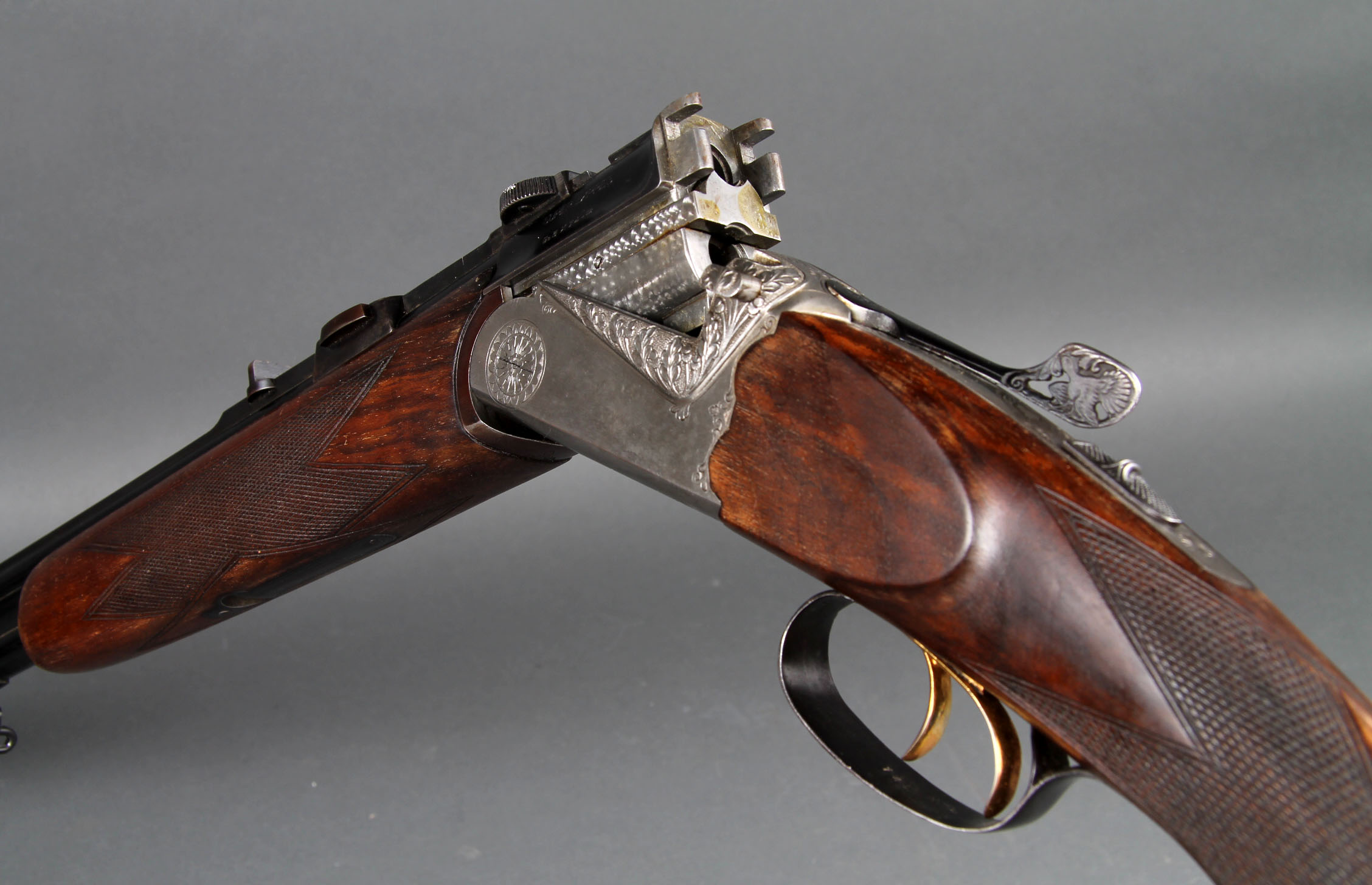 Double rifle, over-and-under Italian Zanardini in big game ...