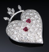 Diamond necklace in 14k white gold, decorated with diamonds and rubies, totalling 4.50 ct. 1990s