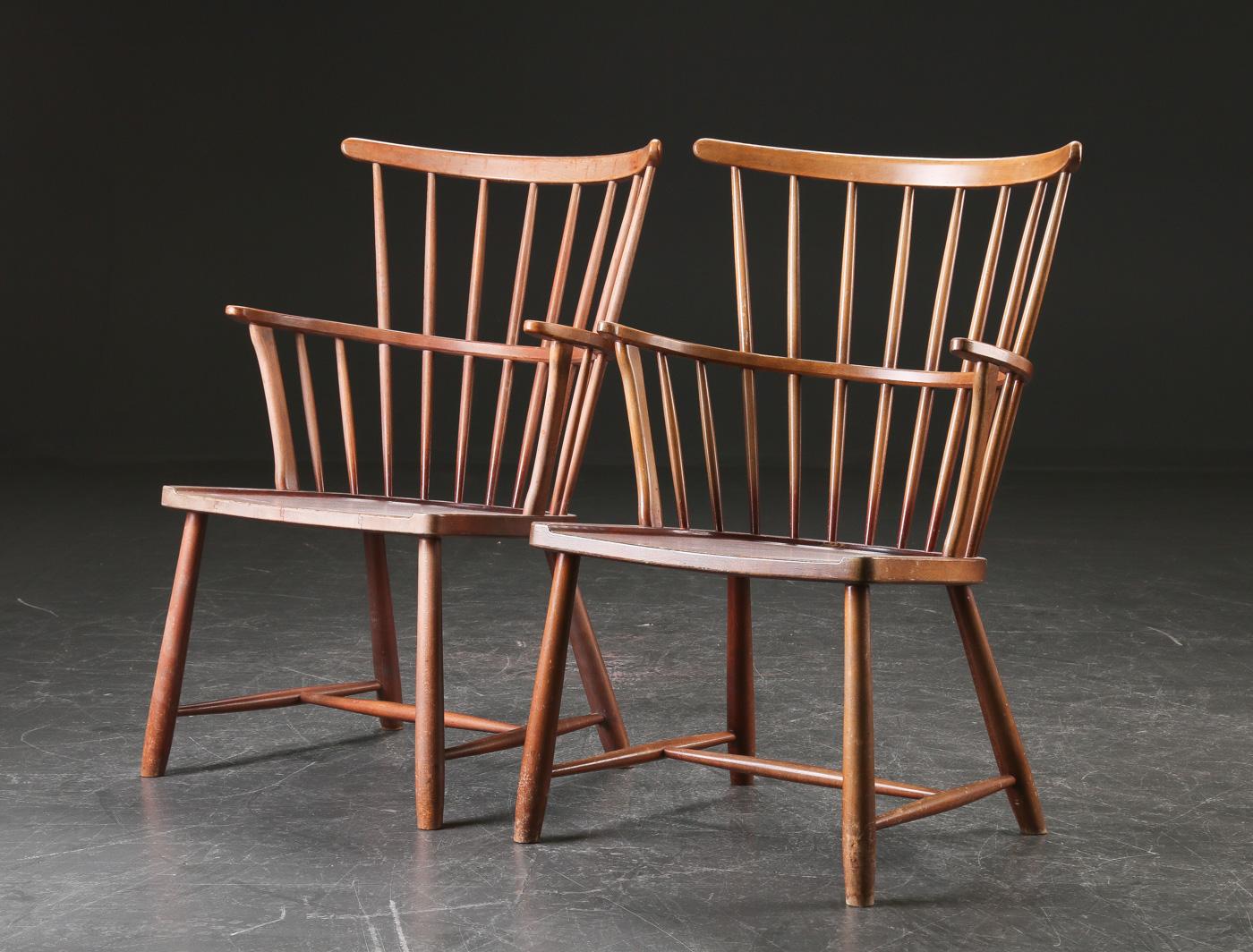 Ove Boldt. Par Windsor stole af bøgetræ, model 1638 (2)
