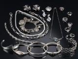 Samling smykker af sølv og sterlingsølv. (22)
