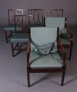 Dansk møbelproducent. Fire spisestole og par lænestole (6)