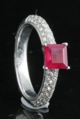 Diamond and ruby ring in 18kt approx. 0.90ct, By Kapriss