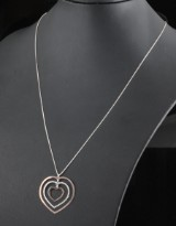 14kt heart shape necklace in gold