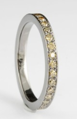 18kt. eternity green diamond ring approx.0.57ct