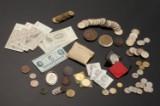 Samling mønter og sedler m.m. bl.a. Guld 10kr. 1913 samt 30 jubi mønter samt medaljer m.m.