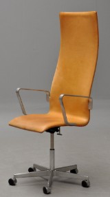 Arne Jacobsen. High-backed Oxford office chair, model 3292 / Red label
