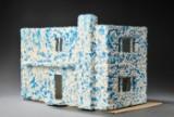 Arne Jacobsen dukkehus dekoreret af Ditte Reckweg & Jelena Schou Nordentoft