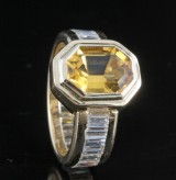 18kt baguette-diamond and citrine ring approx. 3.08ct & 3.50ct